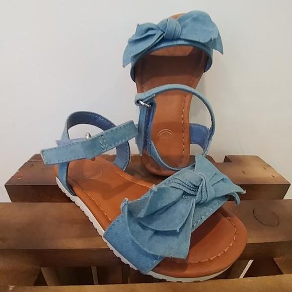 wonder nation Other - Wonder Nation demin bowed sandals size 7